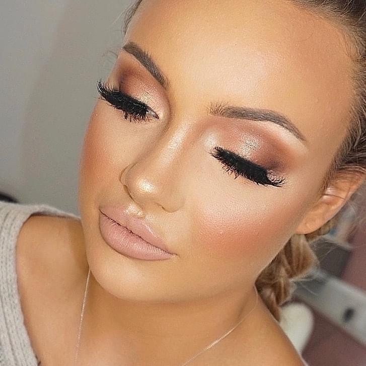 Makeup Courses in Surrey, Makeup lessons, Makeup Artistry course in Camberley, Surrey, Makeup school Surrey, London